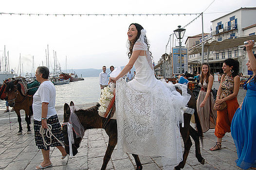 Greek Weddings and Traditions - Celebrating traditions that have been passed down from generation to generation.